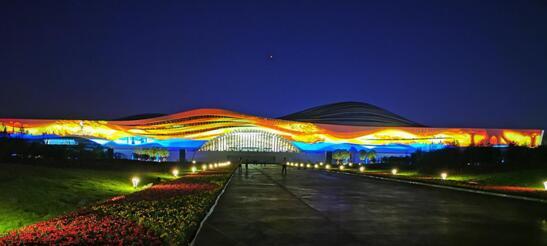 同方股份服务廊坊大剧院泛光照明工程,创国内单体激光投影秀之最